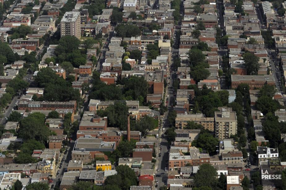 Chaque année, plus de 20 000 Montréalais quittent... (PHOTO BERNARD BRAULT, ARCHIVES LA PRESSE)