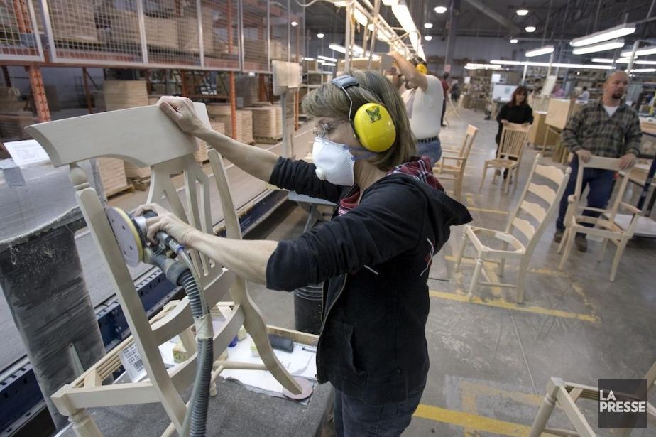 Les ventes de meubles et accessoires de maisons... (Photo Alain Roberge, La Presse)