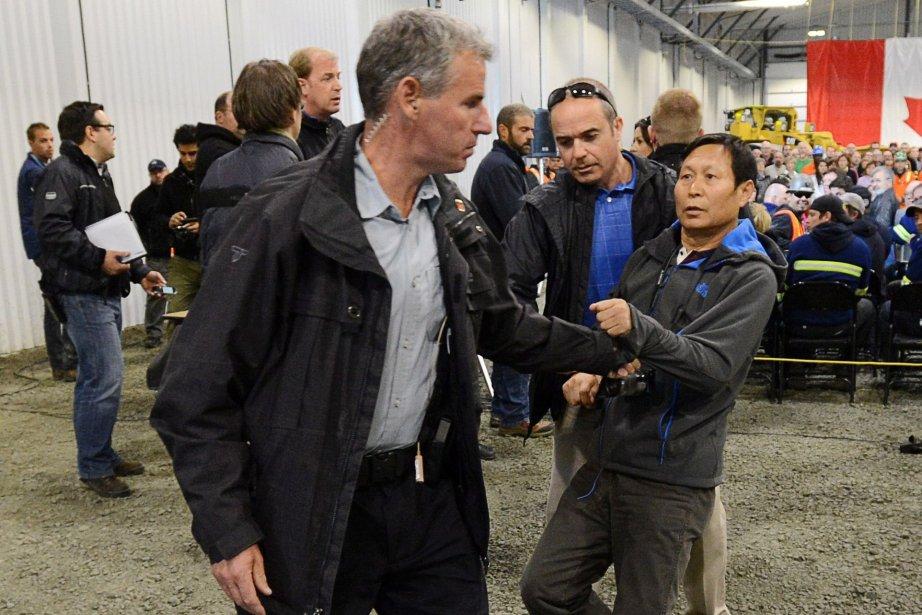 Le journaliste Li Xue Jiang, du «People's Daily»... (Photo Sean Kilpatrick, PC)