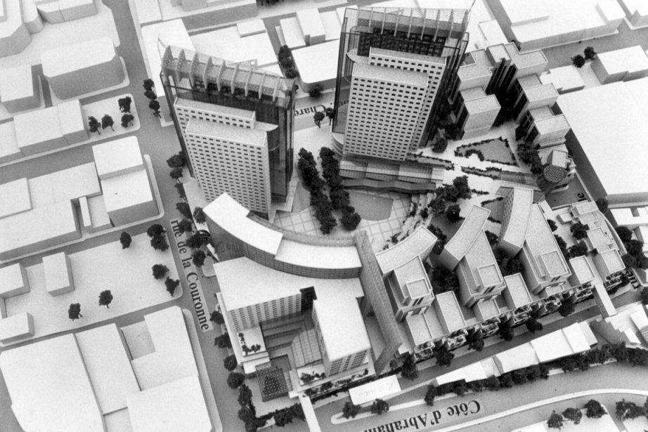 L'administration du maire Jean Pelletier et le promoteur Laurent Gagnon proposent ce projet de Grande Place avec deux tours de 30 étages de bureaux et de centres commerciaux. «Le projet avait trouvé un certain écho dans la population. Beaucoup de personnes avaient la nostalgie des grands magasins, comme Pollack et Le Syndicat de Québec», explique Yvon Leclerc. Le projet sera abandonné après les élections de 1989, où le Rassemblement populaire de Jean-Paul L'Allier est élu à l'hôtel de ville. ()