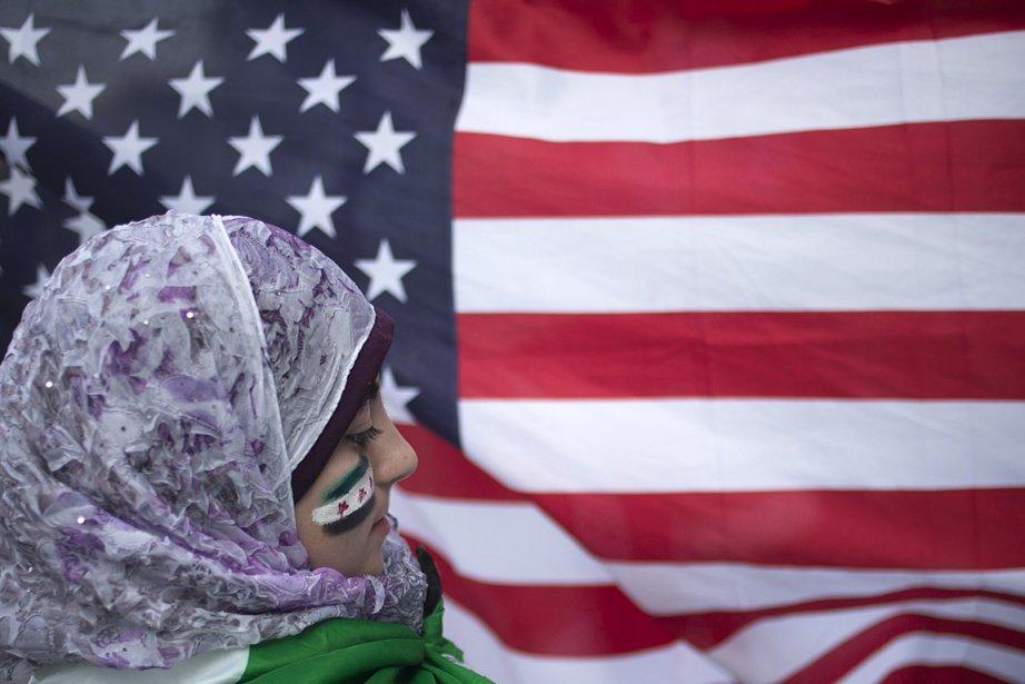Une jeune femme syrienne a participé à une... (PHOTO Adrees Latif, REUTERS)