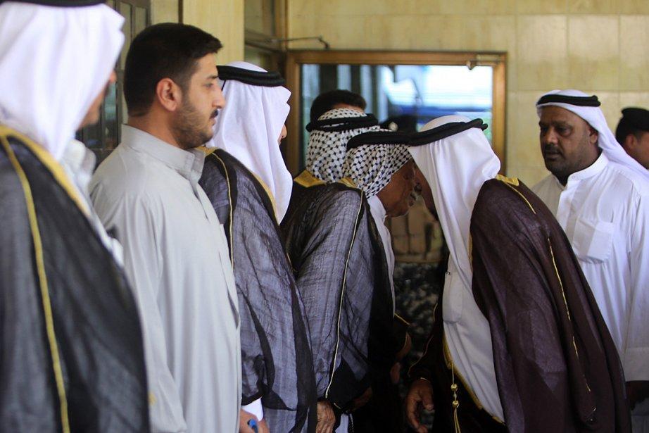 Des chefs tribaux des régions sunnites rencontrent des... (PHOTO SABAH ARAR, AGENCE FRANCE PRESSE)