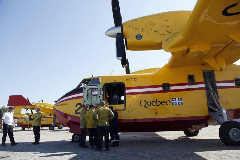 Deux Bombardier CL-415 du Québec sont basés temporairement à l'aéroport... | 2013-08-27 00:00:00.000
