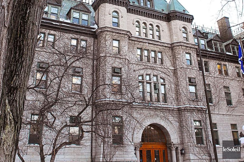 La FCEI soutient que les contribuables canadiens épargneraient... (Photothèque Le Soleil)