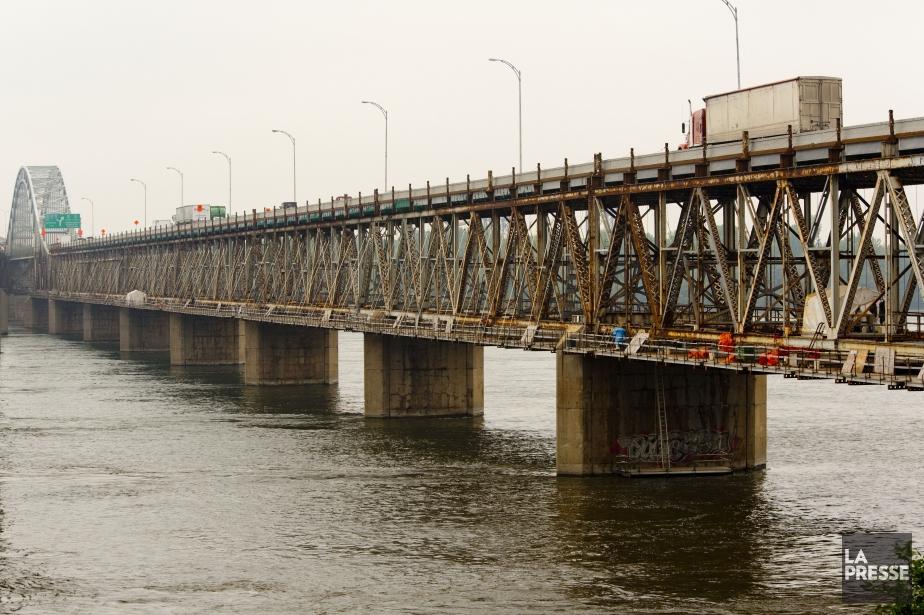 Le pont Honoré-Mercier a eu 80 ans cette... (PHOTO DAVID BOILY, LA PRESSE)