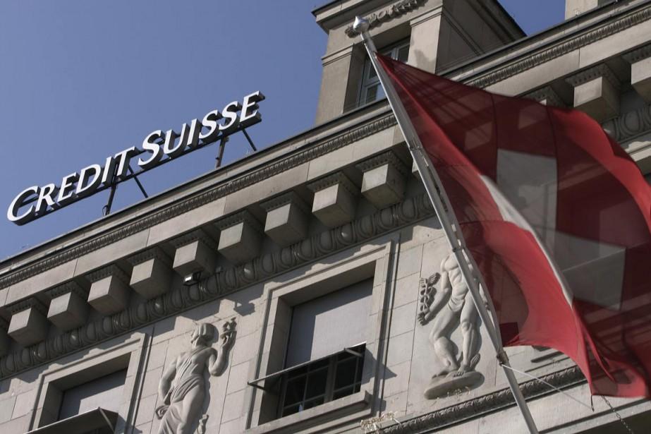 Plusieurs banques, dont Credit Suisse et Julius Baer,... (PHOTO MICHAEL BUHOLZE, ARCHIVES REUTERS)