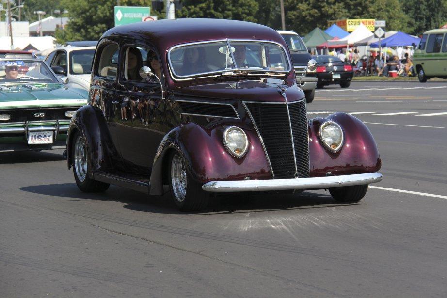 Les amateurs de hot-rods reconnaîtront la classique Ford 1937. (Photo Éric Descarries, collaboration spéciale)