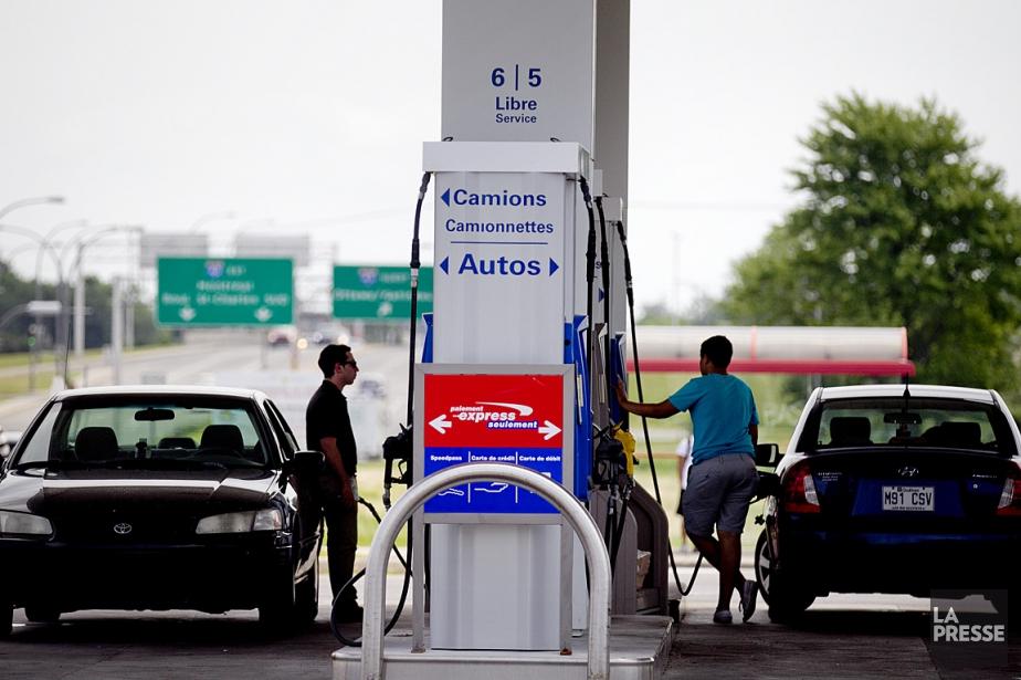 Le prix de l'essence à la pompe pourrait... (Photo Marco Campanozzi, archives La Presse)