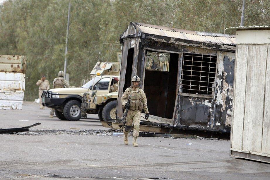 Les autorités irakiennes ont démenti avoir attaqué le... (PHOTO Karim Kadim, ASSOCIATED PRESS)