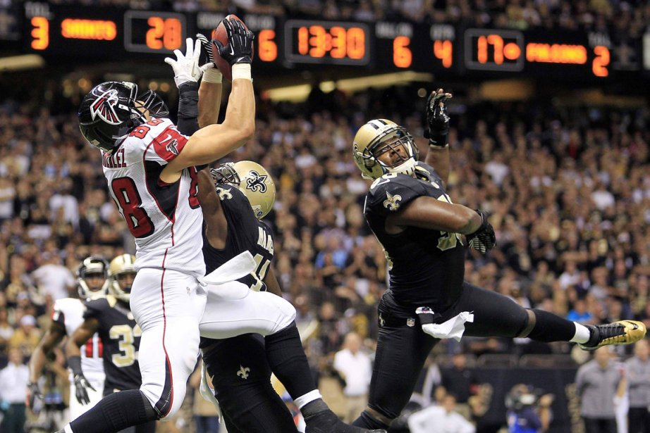 L'ailier espacé Tony Gonzalez, des Falcons, a mis... (Photo Sean Gardner, archives Reuters)