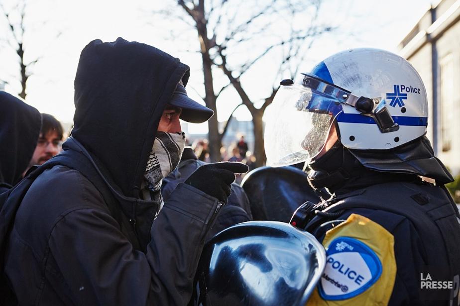 Le règlement P-6 interdit le port de masque... (PHOTO ULYSSE LEMERISE, ARCHIVES LA PRESSE)