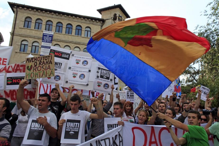Le gouvernement a adopté par surprise la semaine... (Photo Radu Sigheti, Reuters)