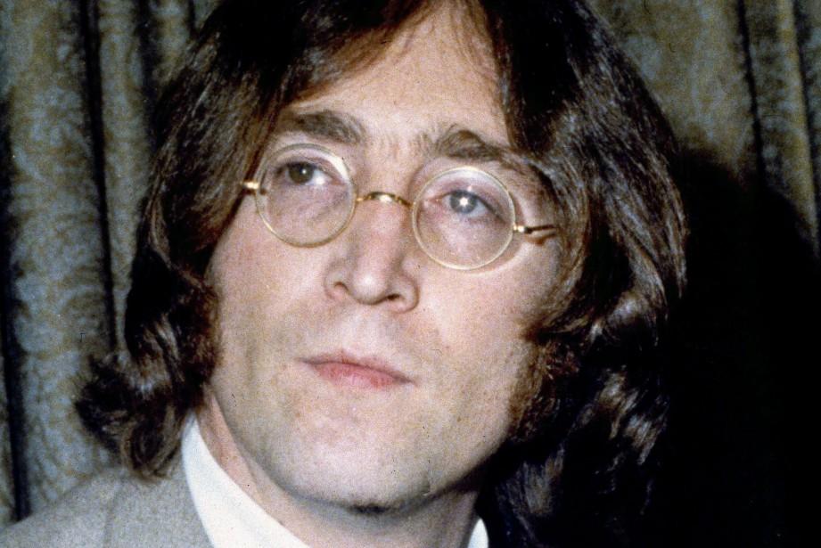 John Lennon... (PHOTO ARCHIVES AP)