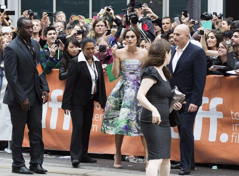 L'actrice Keira Knightley a remercié ses fans avant la projection de al première du film «Can a Song Save Your Life» dans lequel elle partage la vedette avec Adam Levine, le chanteur de Maroon5. | 7 septembre 2013