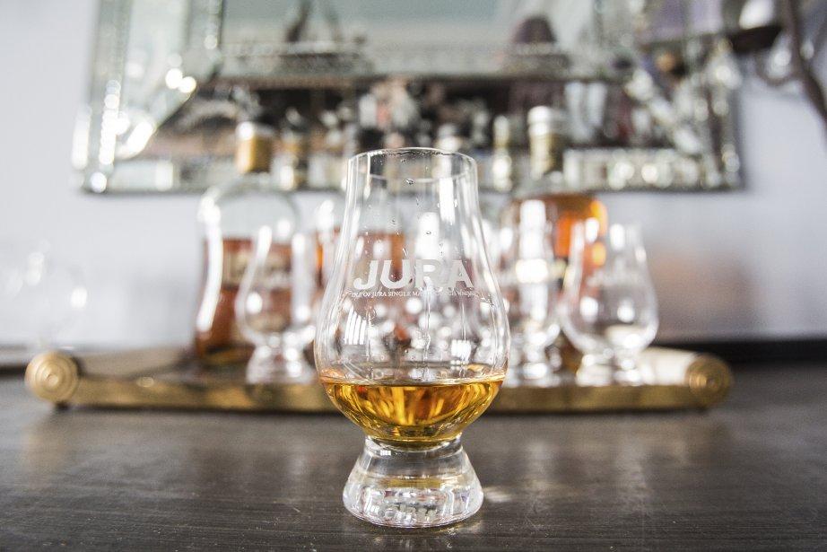 Un whisky à la distillerie Jura. | 10 septembre 2013