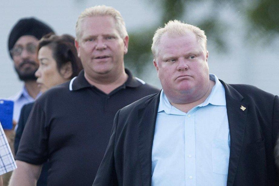 Le maire de Toronto Rob Frd (à droite),... (PHOTO CHRIS YOUNG, PC)