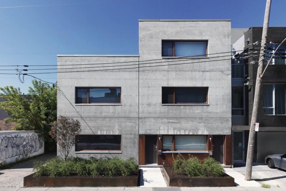 La vie dans un bloc de b ton lucie lavigne maisons for Maison luxueuse moderne