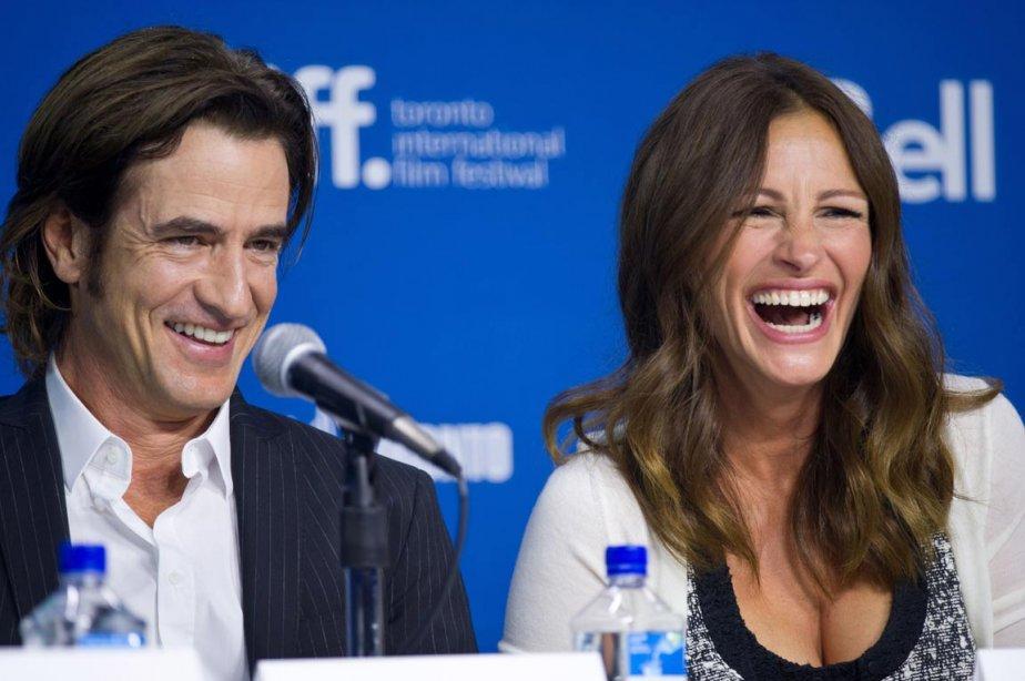 Les acteurs Dermot Mulroney et Julia Roberts lors de la conférence de presse du film «August: Osage County». | 10 septembre 2013