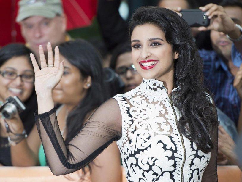 Parineeti Chopra foule le tapis rouge pour «A Randon Desi Romance». | 12 septembre 2013