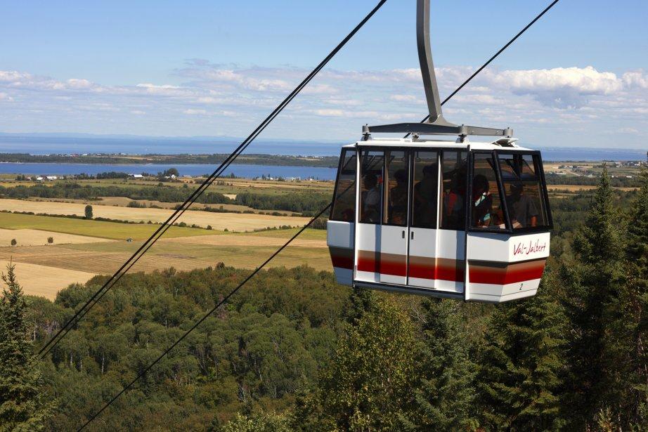 Il est possible de prendre un téléphérique pour avoir un magnifique panorama sur le lac Saint-Jean. (Photo fournie par Val-Jalbert)