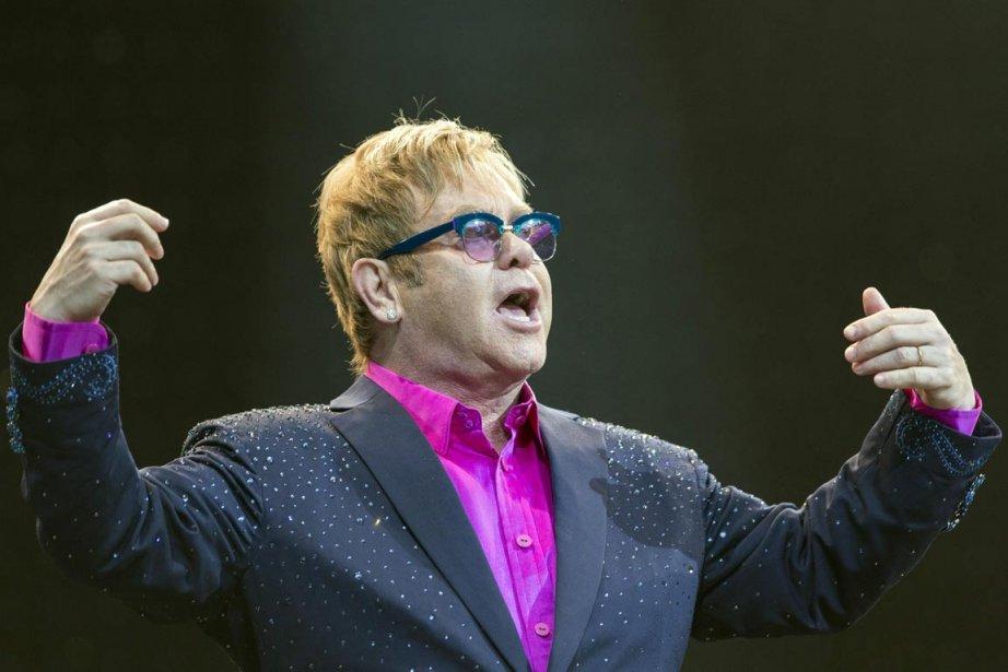 Elton John... (PHOTO FLORIAN SCHUH, AP)