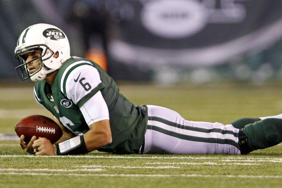 Le quart des Jetss'est blessé à l'épaule droite... (PHOTO REUTERS)