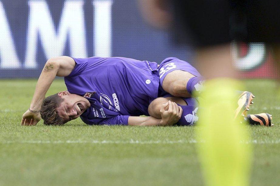 Mario Gomez a subi «une entorse du genou... (Photo Alberto Lingria, AFP)