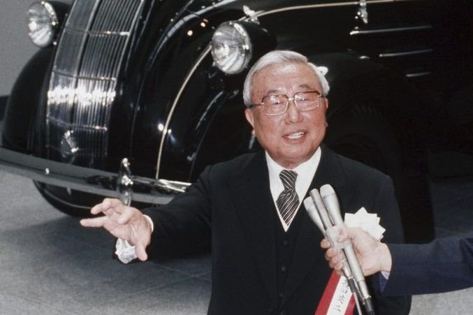 Eiji Toyoda  en 1989.... (Photo archives Reuters)