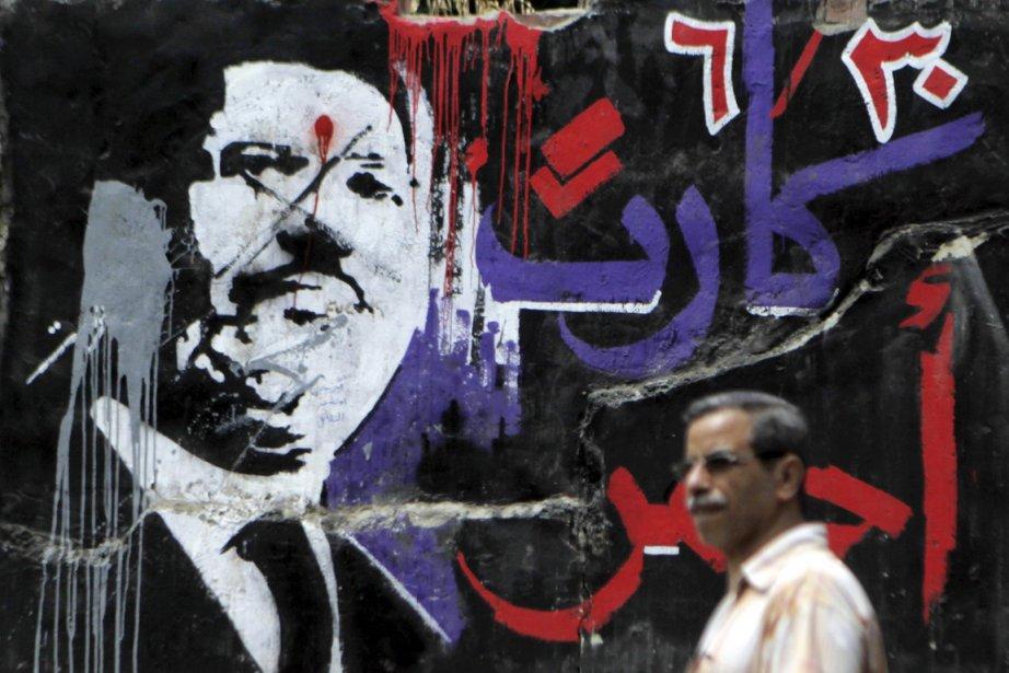 Dès la destitution et l'arrestation le 3 juillet... (PHOTO AMR ABDALLAH DALSH, ARCHIVES REUTERS)