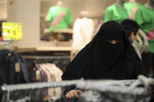 Quelle est la place à accorder aux divers... (Photo d'archives Reuters)