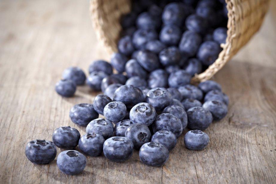 Des substances retrouvées dans les raisins rouges et les bleuets... (Photos.com)