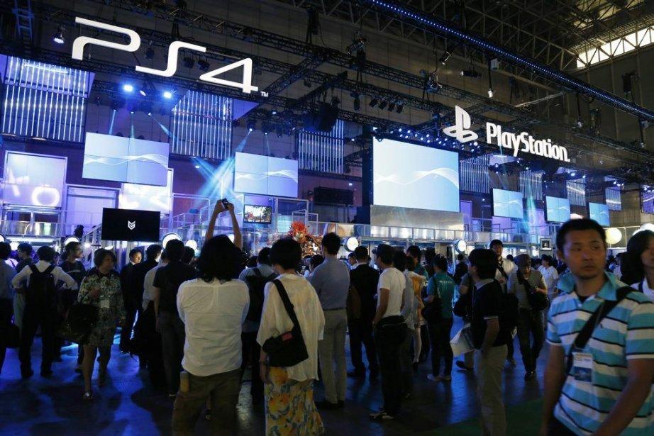 Noir pour Sony, vert-pomme pour Microsoft, les stands... (Koji Sasahara)