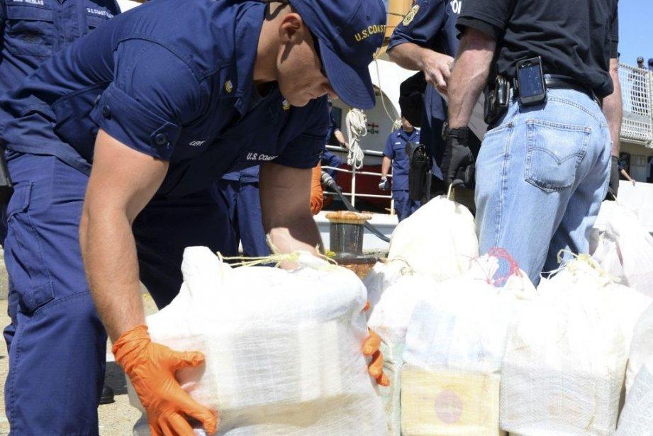 Les enquêteurs de la Drug Enforcement Administration ont... (Photo Agence France-Presse/Garde côtière américaine)