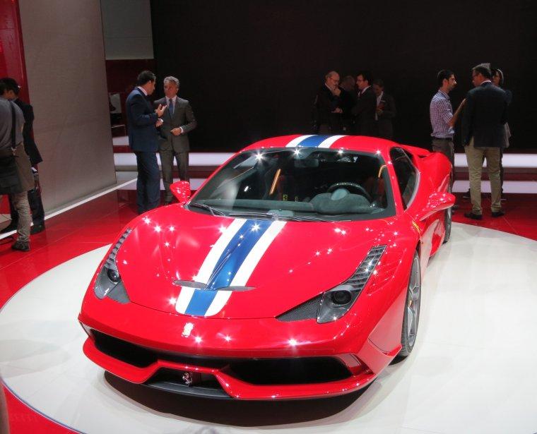 Le constructeur italien Ferrari était très présent au Salon de Francfort, surtout qu'il y lançait une version Speciale de sa 458 mue par un V8 de 597 chevaux capable d'atteindre le cap des 100 km/h en trois secondes. (Photo Éric Descarries, collaboration spéciale)