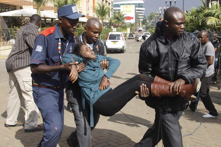 Une dizaine d'hommes armés ont pris d'assaut un... (PHOOT KHALIL SENOSI, AP)