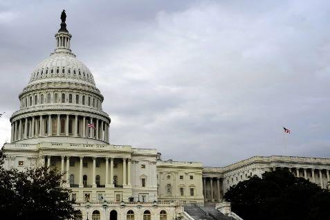 Le Congrès a mis fin à trois années d'instabilité budgétaire aux... (Photo AFP)