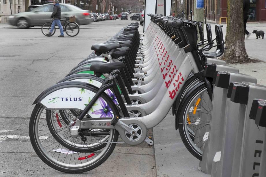 Les vélos libre-service BIXI sont disponibles à Montréal... (PHOTO D'ARCHIVES)