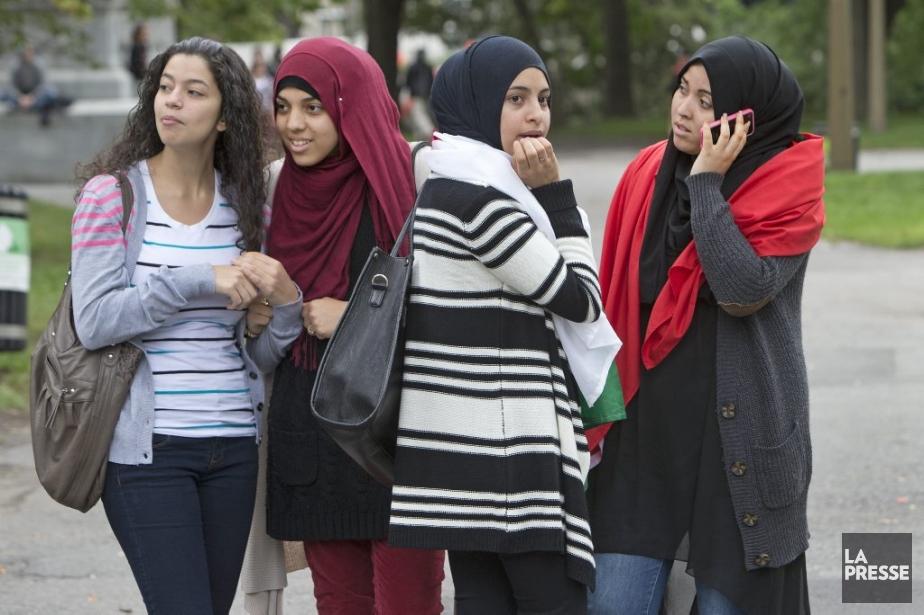 Le hijab est mis en vedette pour mieux... (Photo Robert Skinner, La Presse)