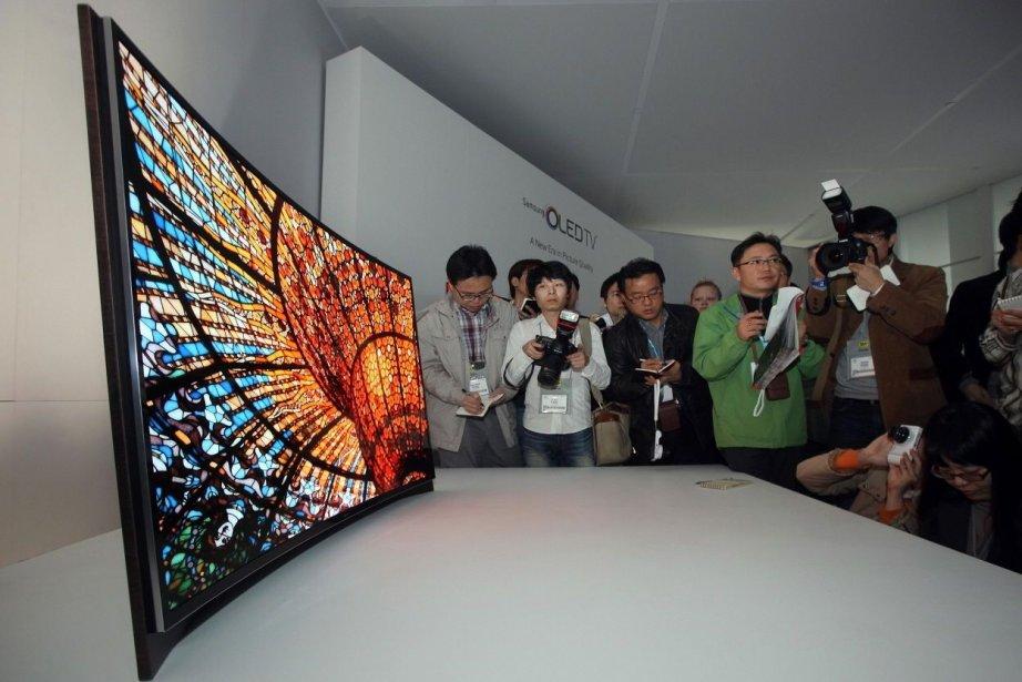 Samsung possède déjà des télévisions à écran courbe,... (Photo Samsung)