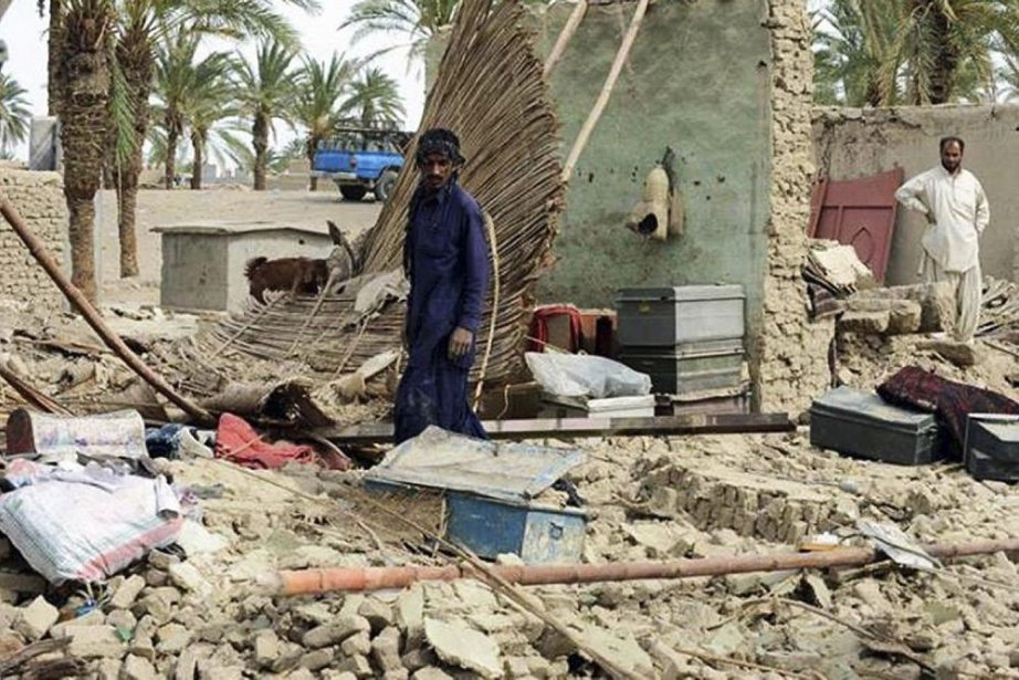 Le séisme d'une magnitude de 7,7, survenu en... (Photo Reuters)