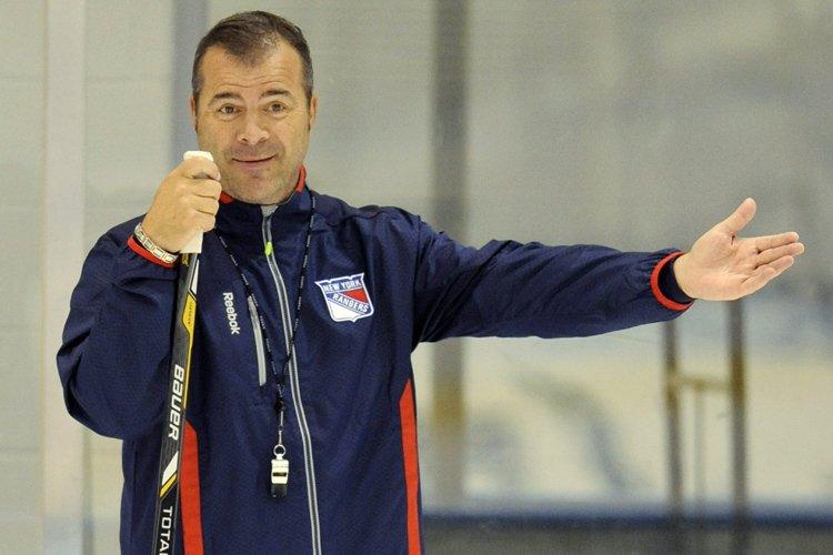 Alain Vigneault, nouvel entraîneur des Rangers.... (Photo: AP)