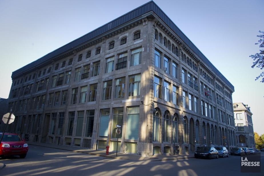 L'immeuble à l'angle des rues Saint-Pierre et Marguerite-d'Youville... (PHOTO ANDRÉ PICHETTE, LA PRESSE)