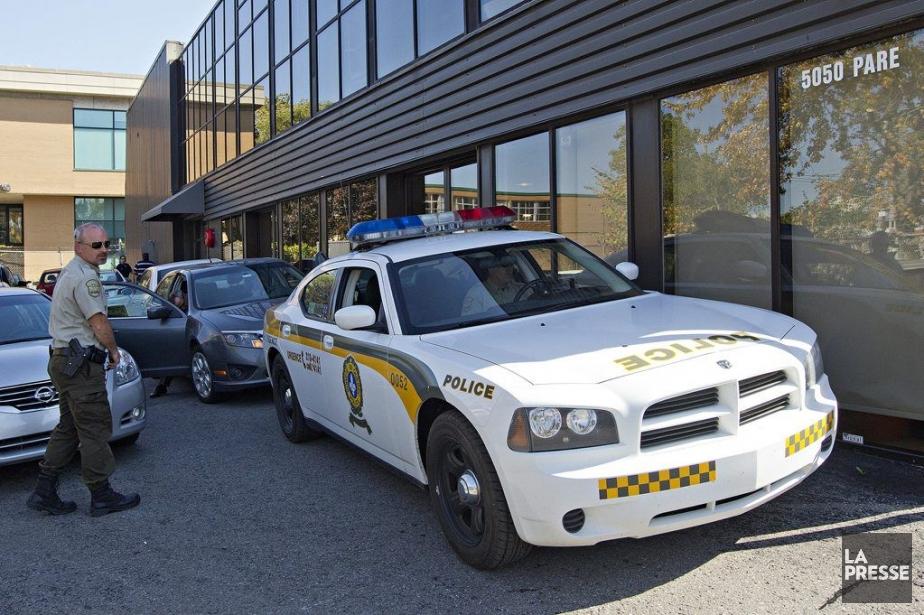 L'intervention s'est divisée en deux opérations policières distinctes.... (Photo Patrick Sanfaçon, La Presse)