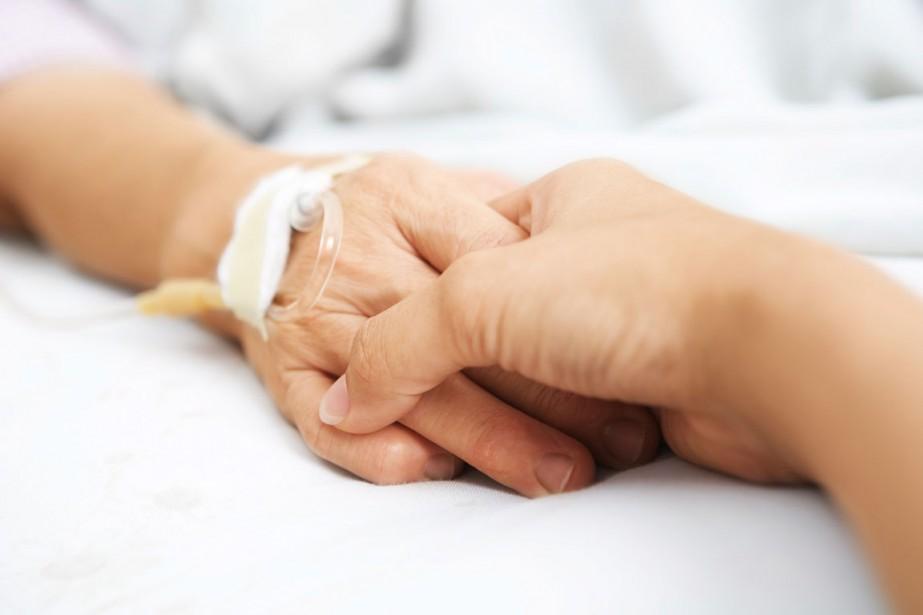 L'aide à mourir est permise en Suisse et... (Photo d'archives)