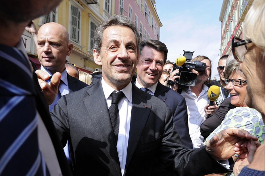 Nicolas Sarkozy, lors d'un passage récent à Nice,... (PHOTO Olivier Anrigo, REUTERS)