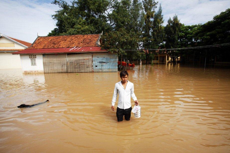 Au Cambodge, le bilan a été porté à... (PHOTO SAMRANG PRING, REUTERS)