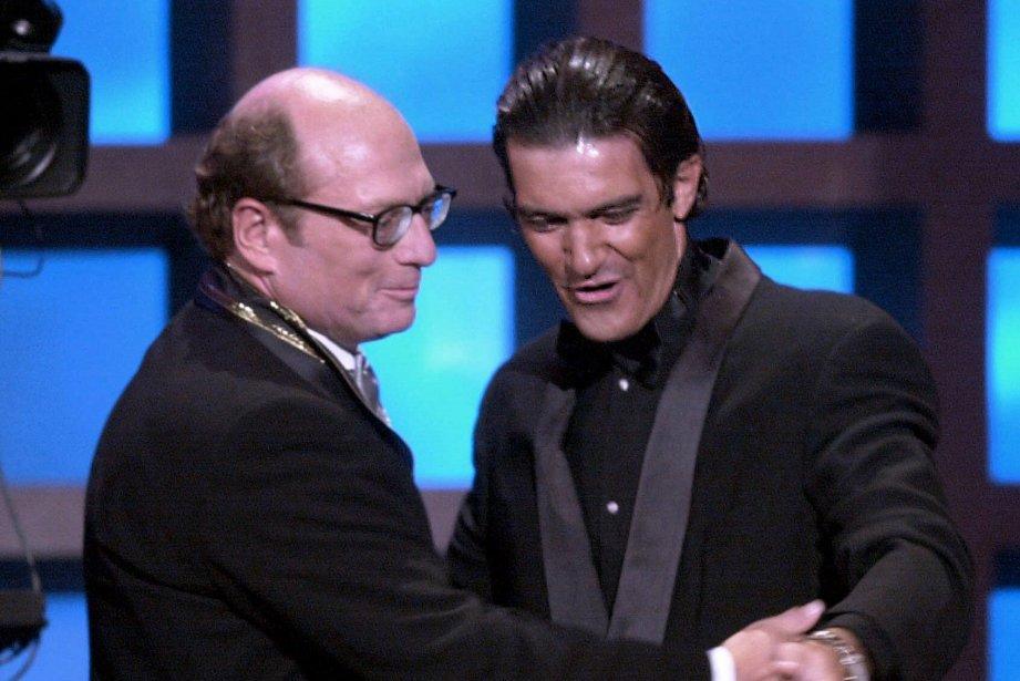 Oscar Hijuelos en compagnie de l'acteurAntonio Banderas.... (Photo Archives AP)