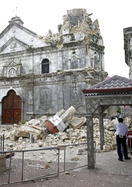 L'actualité vue par TSGE et ... Goolge Earth !  :) - Page 12 757216-puissant-seisme-secoue-15-octobre