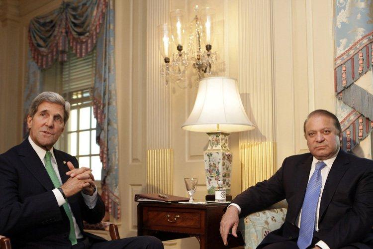 Lesecrétaire d'ÉtataméricainJohn Kerry a reçule Premier ministre pakistanais... (Photo: Reuters)