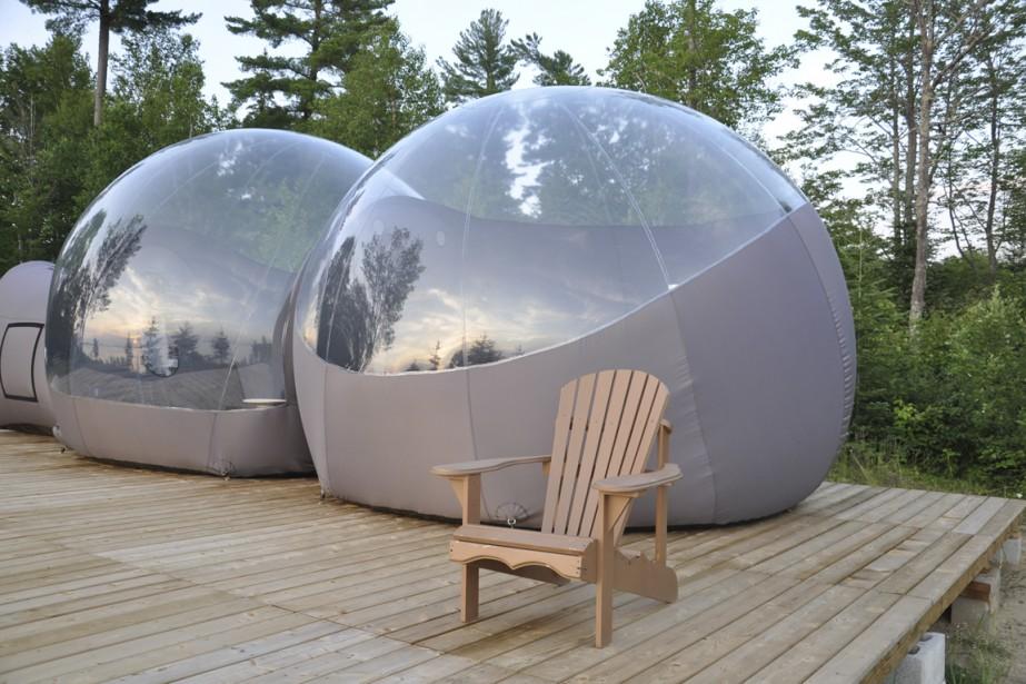 dormir dans une bulle violaine ballivy laurentides. Black Bedroom Furniture Sets. Home Design Ideas